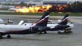 El avión en llamas aterriza en Moscú