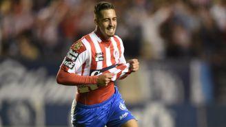 Ían González festeja un gol con San Luis