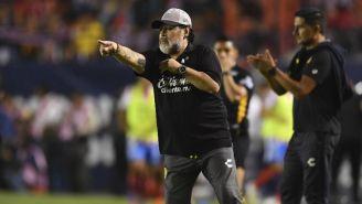 Maradona da una indicación en la Final del Ascenso