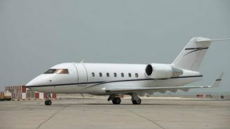 Bombardier Challenger 601 en la pista