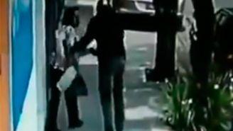 Delincuente trata de robar a señora de la tercera edad