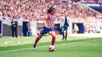 Kenti Robles durante un juego del Atlético de Madrid