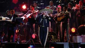 Vicente Fernández, durante su último concierto en el Estadio Azteca