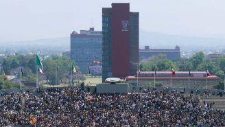 Torre de Rectoría desde el Estadio Olímpico Universitario