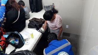 Paramédicos atienden a víctimas