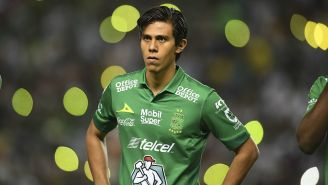 José Juan Macías antes de un juego del León