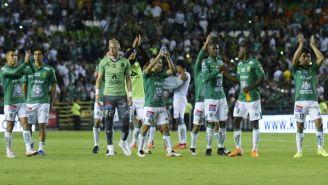 Jugadores de León celebran su pase a las 'Semis' del C2019