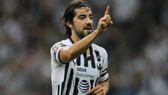Rodolfo Pizarro festeja gol con Monterrey
