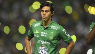 José Juan Macías durante un juego con León