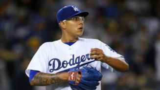 Julio Urías en un partido con los Dodgers
