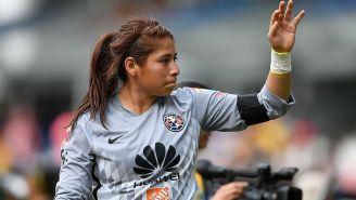 Cecilia Santiago durante un partido con el América