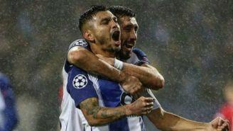 Jesús Manuel Corona y HH festejan gol con el Porto