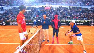 Djokovic, Moscarella, Spider-Man y Schwartzaman antes del juego