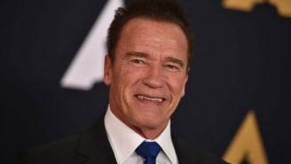 Arnold Schwarzenegger durante una alfombra roja