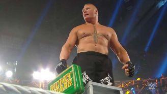 Brock Lesnar gana el maletín