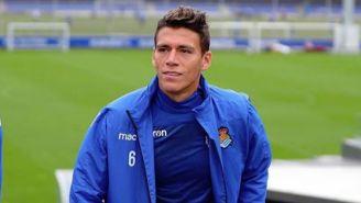 Héctor Moreno antes de un partido de la Real Sociedad