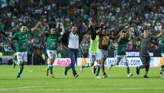 Jugadores de León festejan el pase a la Final