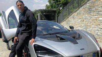 Cristiano Ronaldo presume su nuevo automóvil