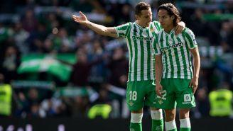 Andrés Guardado y Diego Lainez durante un encuentro ante el Girona