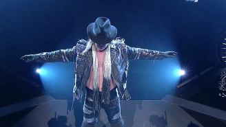 Chris Jericho hace su entrada al ring