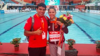 Adriana Jiménez posa con su medalla de Bronce