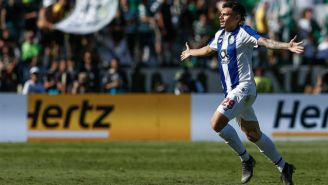 Tiquinho Soares celebra anotación con Porto