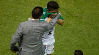 Ángel Mena tuvo que salir por una lesión