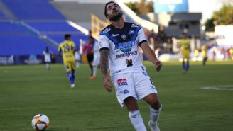 Sergio Riffo se lamenta durante un juego del Celaya