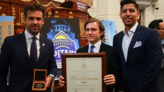 Capitanes de la CDMX reciben medalla al Mérito Turístico