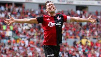 Juan Pablo Vigón festeja gol con Atlas