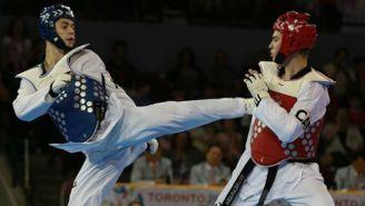 René Lizárraga durante un combate de taekwondo