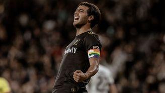 Vela celebra uno de sus goles durante la presente campaña de la MLS