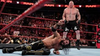 Brock Lesnar ataca a Seth Rollins