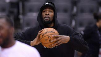 Kevin Durant antes de un partido