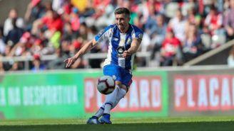 Héctor Herrera durante un partido con el Porto