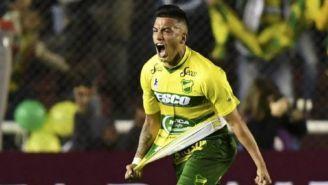 Lolo Miranda festeja un gol con Defensa y Justicia