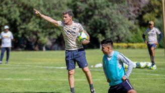 Miguel González dirige su primer entrenamiento con Pumas