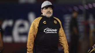 Diego Maradona durante un partido con Dorados