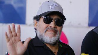 Maradona saluda a aficionados de Dorados