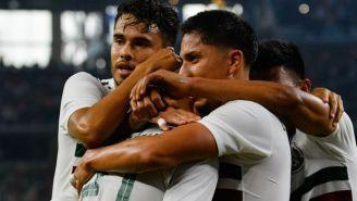 Jugadores del Tri festejan gol