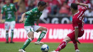 Iván Rodríguez en un partido con el León
