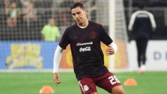 Jorge Sánchez en un calentamiento con la Selección Mexicana