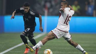 Uriel Antuna deja en el camino a Roberto Rosales