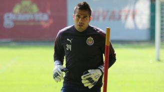 Miguel Jiménez durante un entrenamiento con Chivas