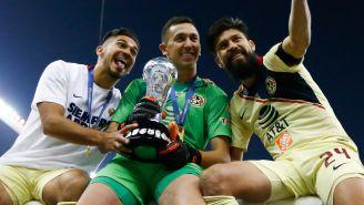 Martín, Marchesín y Oribe se tomaron una foto en el festejo del título del Apertura 2019