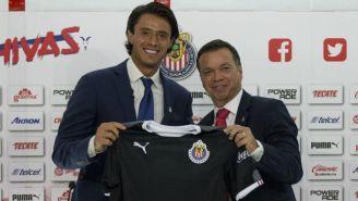 Rodríguez, en su presentación con Chivas