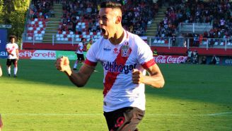 Mauro Quiroga festeja gol con Curicó Unido