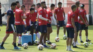 Chivas tras sesión de entrenamiento en Verde Valle