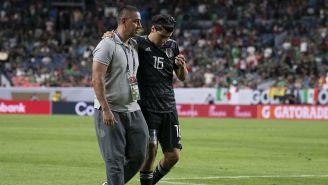 Érick Gutiérrez sale lesionado del juego contra Canadá