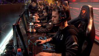 Los jugadores de All Knights, preparándose para la partida